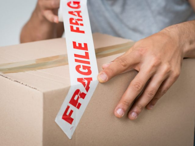 How to pack and store fragile items