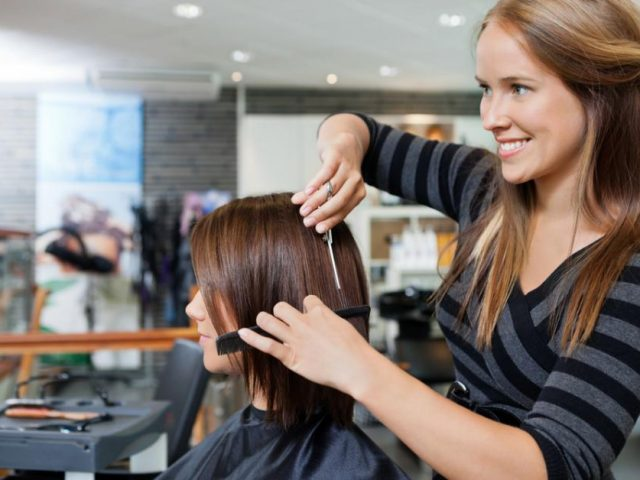 5 things to do to deal with an oily scalp and hair loss
